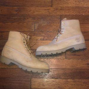 """Timberland 6"""" classic wheat boots sz 8.5 USA 10066"""